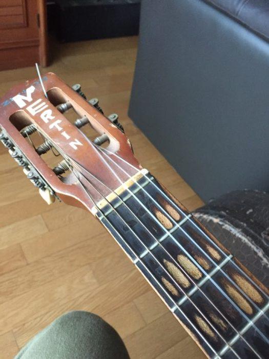 初心者向けオープンチューニングの基本。デルタブルースギター弾き語りには必須。オープンGとオープンDの2種類のやり方解説。
