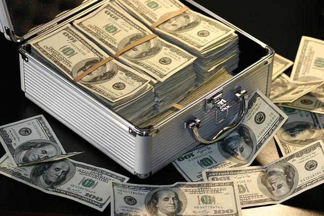 ブルースマンのぼくですが山本りゅうけんさんのブログを見てたらお金が欲しくなってきました。