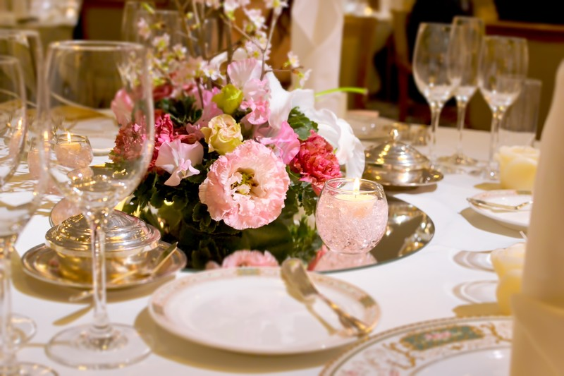 結婚式の来賓テーブル