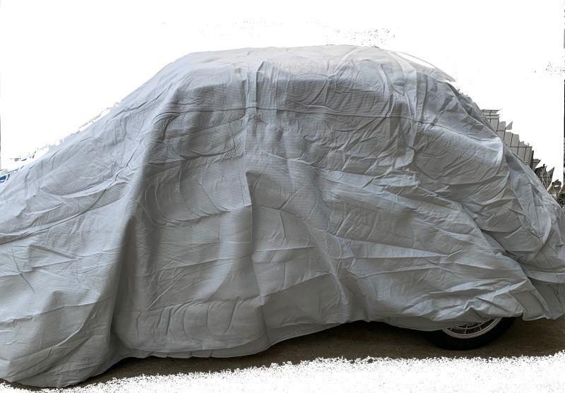 チンクエチェント(2代目FIAT500)にカバーライトを装着した側面画像。少しブカブカ、余裕ありのサイズ感です。